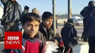Aleppo evacuation  Food aid for displaced people   BBC News