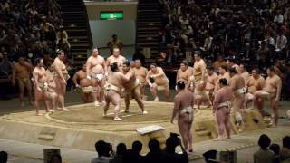 Takayasu takes down one opponent after another during public traini...