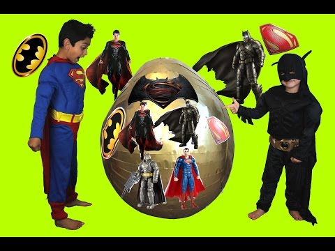 Batman Vs Superman Dawn of Justice Giant Toys Surprise Egg