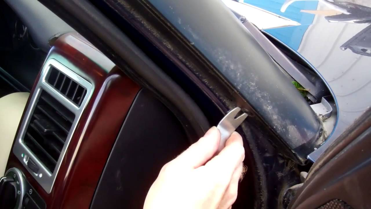 How To Remove External Windscreen A Pillar Trim On Range
