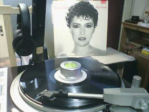 Melissa Manchester   A1「You Should Hear How She Talks About You」 from HEY RICKY