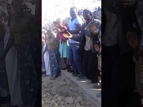 Zororo kumatenga mai Ema's funeral