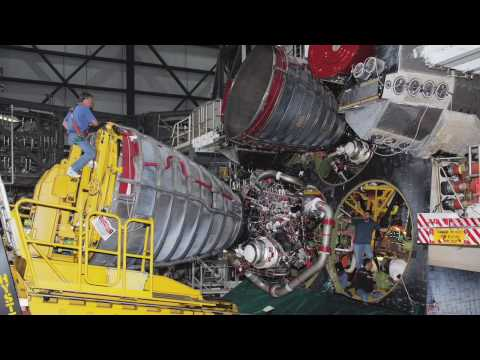 Launchpad: Firing the Space Shuttle Main Engines