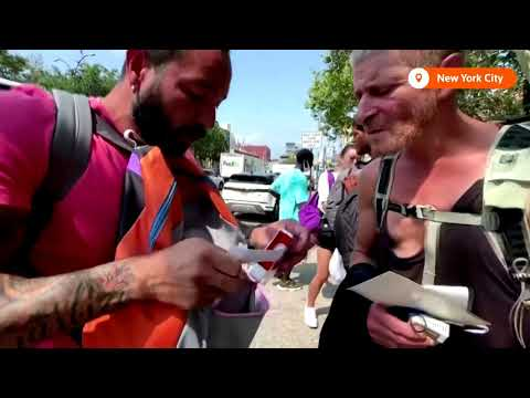 NYC charity gives backpacks to homeless