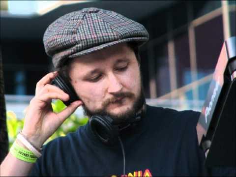 DJ Vadim - USSR Reconstruction (Oval Mix)