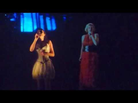 Within Temptation (& virtual Anneke) - Somewhere (live @ Carré Amsterdam 02.03.2015) 3/6