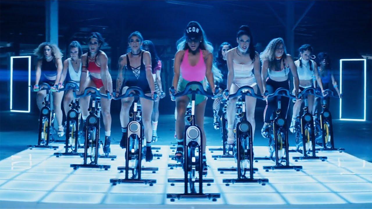 Bike Girl Live Wallpaper Ariana Grande Side To Side Sexy Bike Riding Version