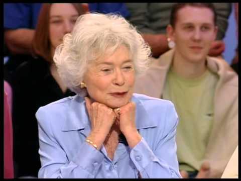 Marthe Mercadier, K Maro, Un grand prix de F1 à Paris - On a tout essayé - 22/03/2005