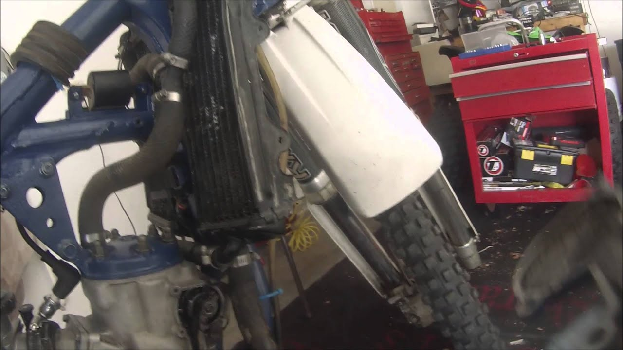 Yamaha YZ250 Project - Part 3 - Oil and Coolant