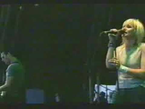 the cardigans - my favourite game (live glastonbury '99)