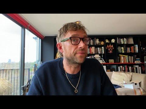 Elton John and Damon Albarn talk Song Machine - Rocket Hour on Apple Music