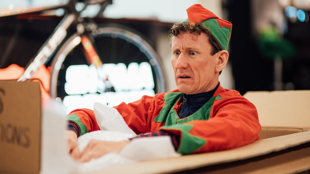 Caught on Camera: Elf Unleashed | Matt Stephens and the Sigma Sports Christmas Window