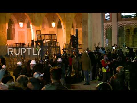 Lebanon: Water cannon and tear gas used to disperse protest near parliament building