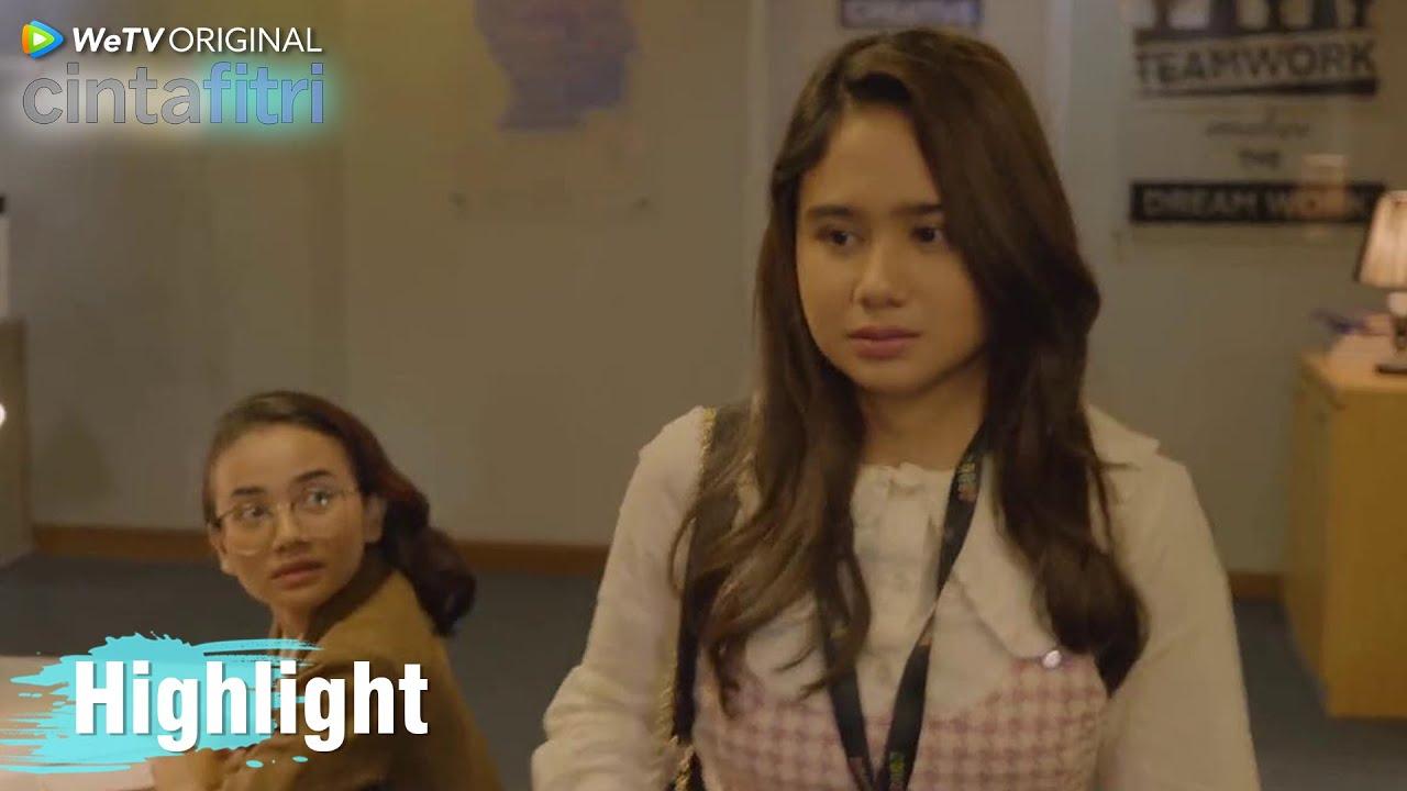 Cinta Fitri   Highlight EP03 Penampilan Baru Fitri Bikin Pangling Seisi Retro   WeTV Original