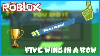 FORTNITE IN ROBLOX!!!!  5 WINS IN A ROW!?!?  KNIFE ROYALE!!