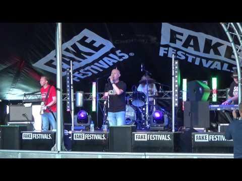 Analogue Haze  I just Can't Get Enough - Market Harborough Fake Festival 2016