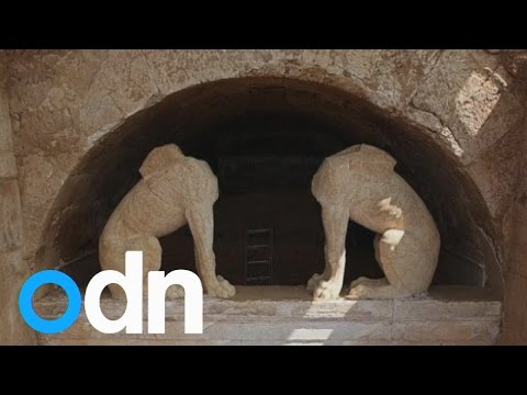 Ancient Greek tomb uncovered by archaeologists