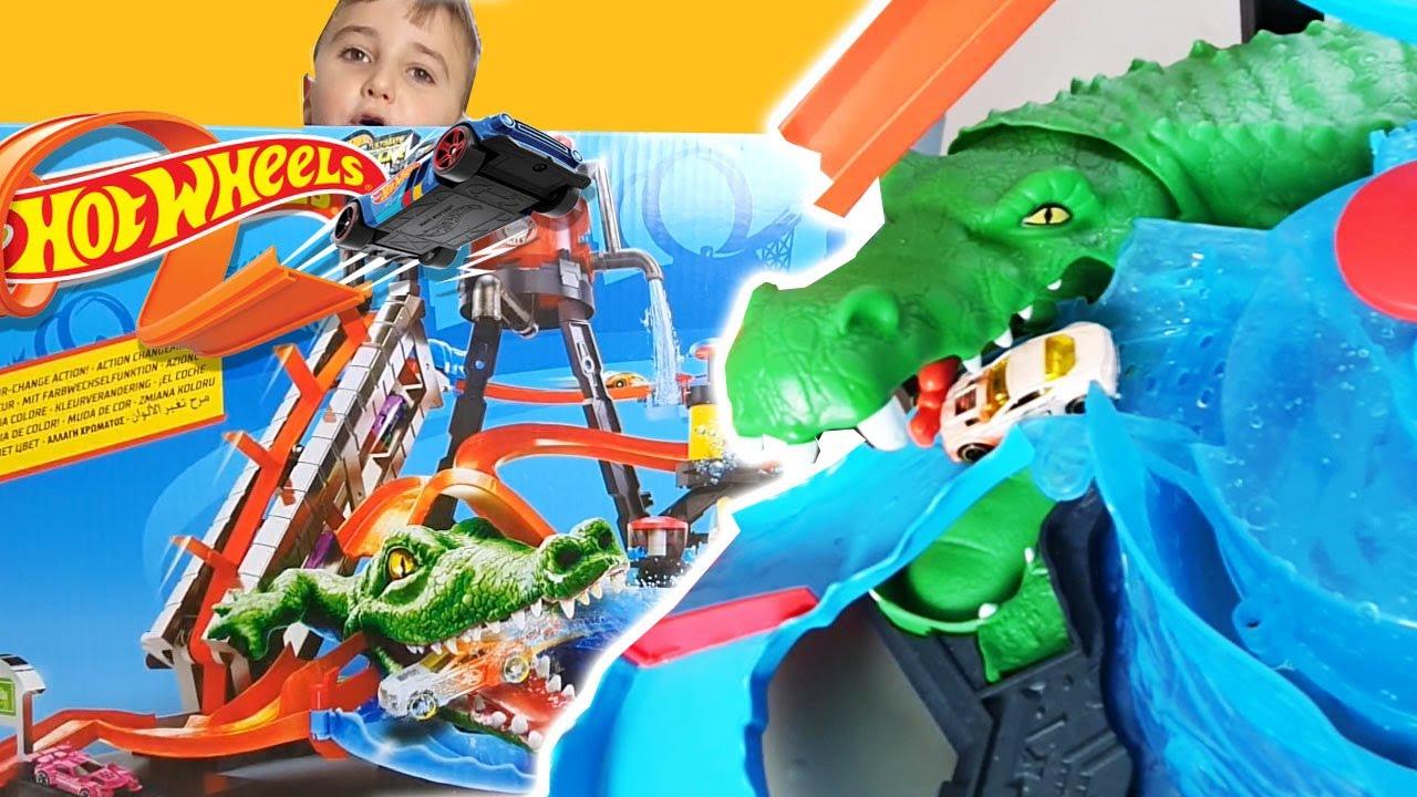 Zabawa Hot Wheels Krokodyl i Super Myjnia! Gryziemy Samochody!