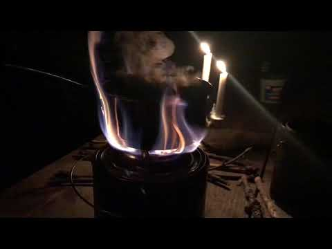 DIY homemade paint can wood-gas, gasifier stove burns twigs down to a blue flame