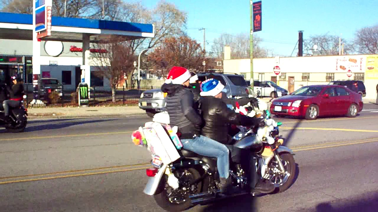 Motorcycle Toys For Tots : Chicagoland toys for tots motorcycle parade youtube