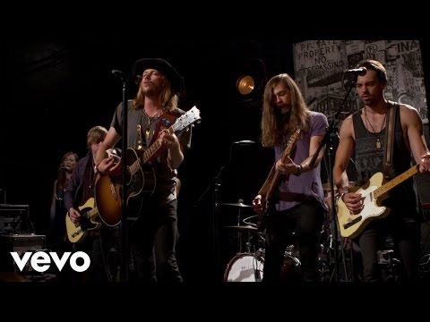 A Thousand Horses - Smoke - Vevo dscvr (Live)