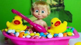 Maşa Şeker Küvetinde Oynuyor - Masha Çizgi Film Karakteri