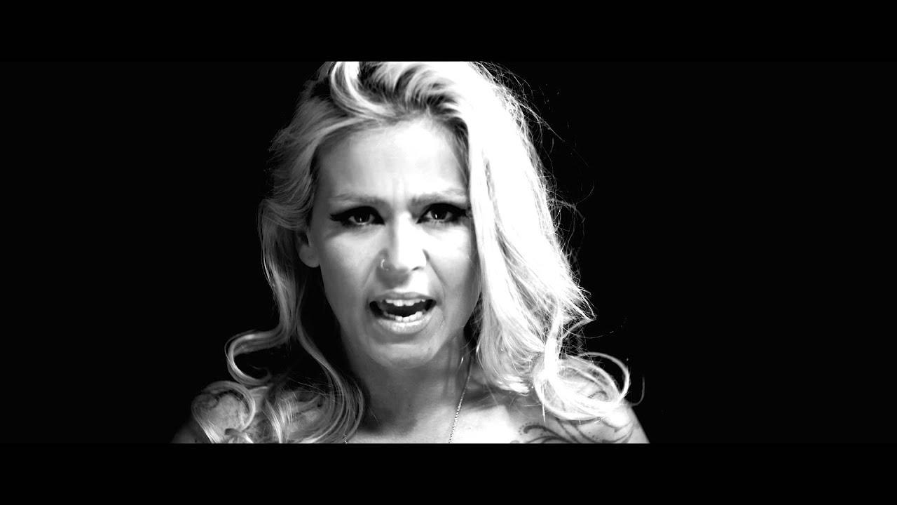 aurea-i-didnt-mean-it-official-music-video-aureacanaloficial