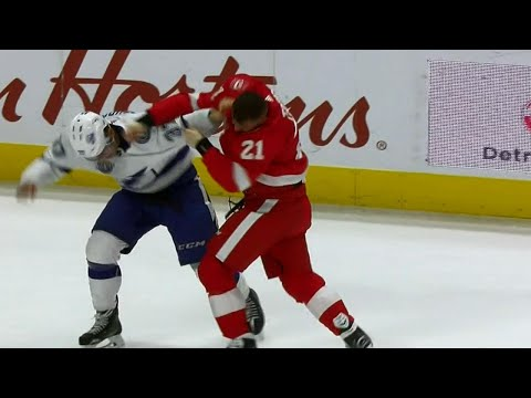 Gotta See It: Lightning and Red Wings fight twice in opening period