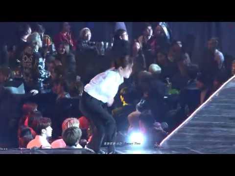 [4K] 190115 서울가요대상 '기회를 엿보다 춤추는 민규와 빵터진 승관, 우지, 준 / 가수석 세븐틴 - BTS IDOL' SEVENTEEN 직캠