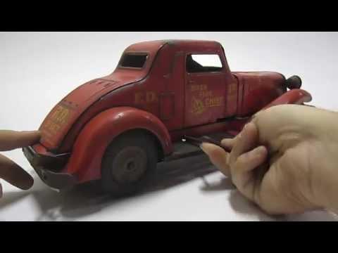 Hot Wheels 18 Car Vintage Tin Toys & Games