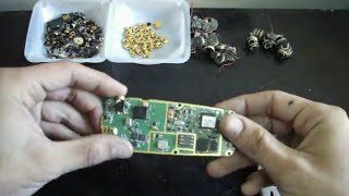 Repeat youtube video How to Scrap old Cell Phones for *Gold Recovery