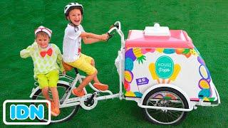 Niki berpura pura bermain menjual es krim dan ingin gerobak es krim baru
