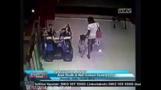 Video [ANTV] TOPIK Anak Diculik di Mall Terekam Kamera CCTV download MP3, 3GP, MP4, WEBM, AVI, FLV Juni 2017