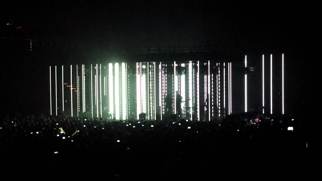 Nine Inch Nails || Disappointed - Live || Tension Tour 2013 - YouTube