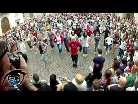 FLASH MOB NOVARA STREETGAMES (OFFICIAL VIDEO) 27 maggio 2012