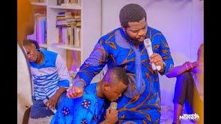 live Adoration Medley ko zanga yo na sambue+sanjola by Jonathan yafu avec le fr Emmanuel Musongo