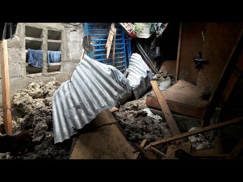 Tres niños mueren en derrumbes provocados por lluvias de Matthew