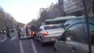 scooter paris france champs elysees accident crash