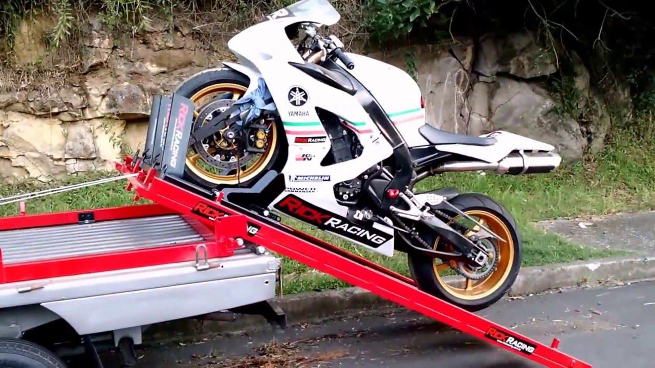 transporte de moto guincho de moto youtube. Black Bedroom Furniture Sets. Home Design Ideas