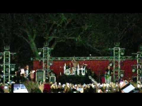Blink 182- Christmas Eve (Live Orlando,FL 2017)