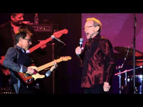 Flashback: The Monkees' Peter Tork Sings a Gleeful 'Your Auntie Grizelda' in 2015