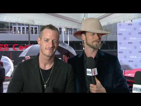 Florida Georgia Line Red Carpet Interview - AMAs 2016