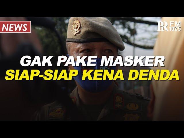 Satpol PP Kota Bandung Lakukan Razia Masker di Lingkungan Balai Kota