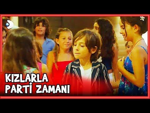 Mehmetcan Kızlarla PARTİ VERİYOR! - Küçük Ağa 24.Bölüm