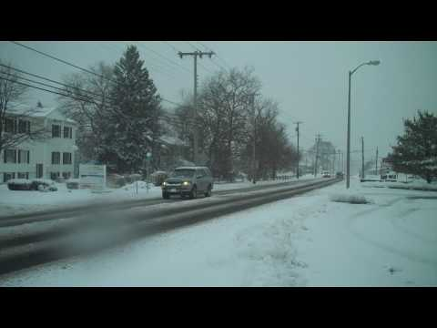 Storm brings snow -- and slow travel -- in Northfield, Atlantic County.MP4