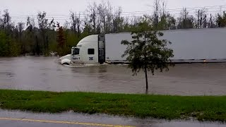 Truck Driver Braves the South Carolina Flood | What's Trending Now