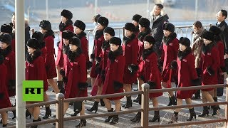 229 animadoras norcoreanas llegan a Corea del Sur para los JJ.OO.