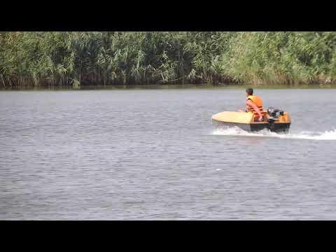 Самодельная лодка плоскодонка. 1 человек 95 кг. Лодочный гибрид + нога ветерок + гидрокрыло 29 км/ч