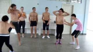 Robocop Gay - Coreografia