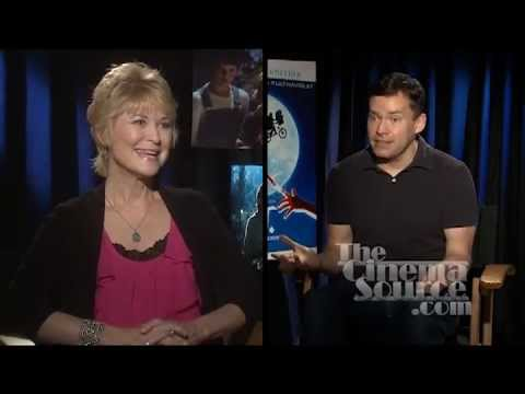 Dee Wallace the Mom from E.T. Exclusive  for the 30th Anniversary Bluray